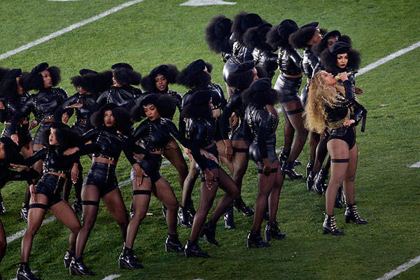 Beyonce-Super-Bowl-Football